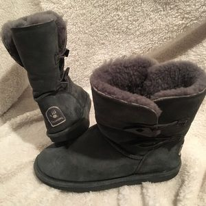 BearPaw size 11 boots.